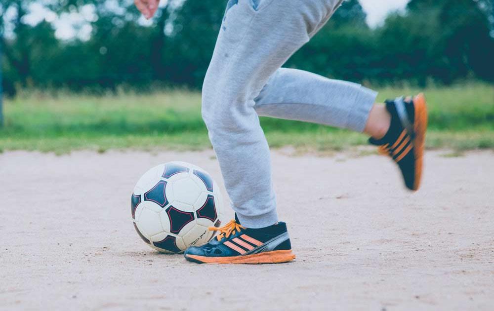 Fußball wird gespielt